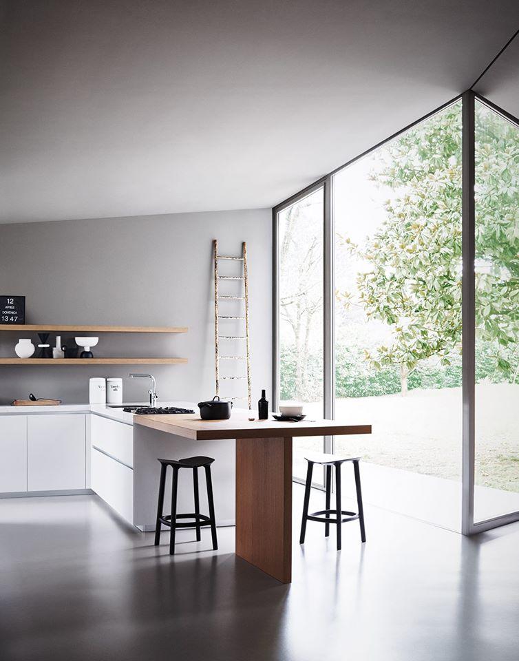 Mckb european kitchen design mck b for Kitchen design visit